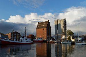 Hafen Burgstaaken vom Wasser aus fotografiert