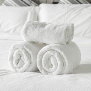 Bettwäsche und Hantücher auf Anfrage buchbar
