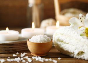Wellnesstag bei Kerzenschein und einer Massage